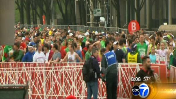 Thousands 'Shuffle' through downtown Chicago
