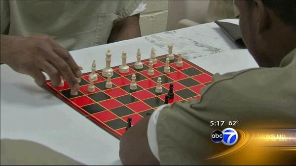 Program teaches chess to Cook County Jail inmates
