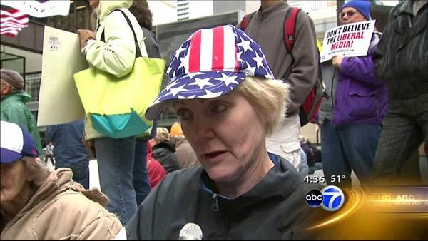 Tea party holds Tax Day rally in Chicago