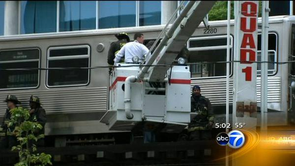 CTA touring train derails, no one hurt