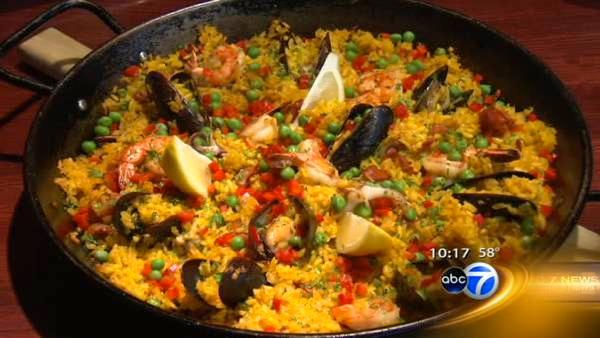 Paella adds color to Chicago menus