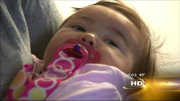 Breastfeeding mom sues Cook County, sheriff