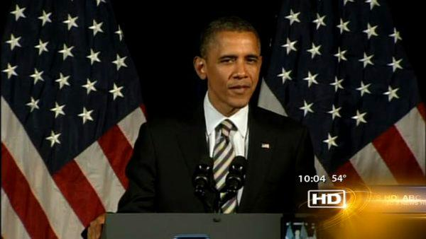 Obama fundraises in Chicago amid dismal jobs report