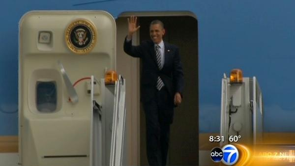 Obama wakes up in Chicago after fundraising night