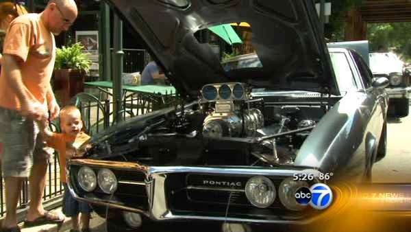 Hot rods on display in Lincoln Park