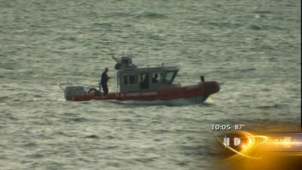 Man missing after raft flips over in Lake Michigan