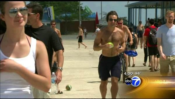 Hot Chicago weather persists on 1st day of summer