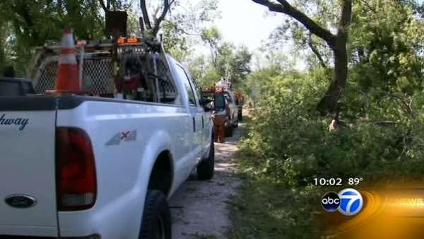 Homeowners, ComEd assess storm damage; 86,000 still without power