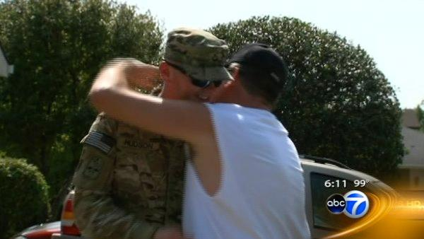 Orland Park soldier returns home on the Fourth
