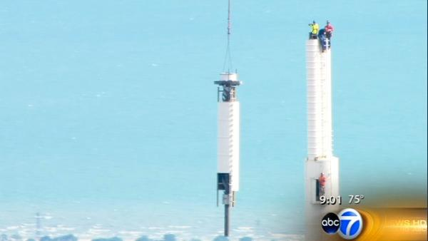 RECAP: Old ABC7 antenna removed from Willis Tower
