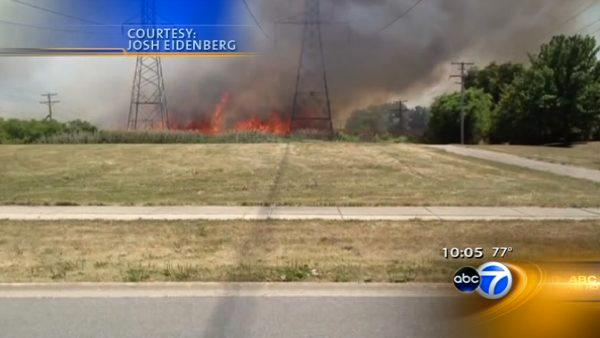 Brush fire in Buffalo Grove leads to power outages