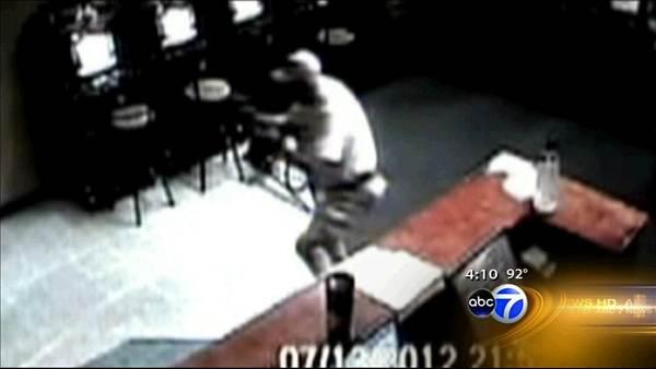 Senior citizen shoots would-be robbers at Ocala Internet cafe