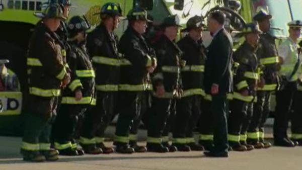 VIDEO: Mitt Romney shakes hands with Chicago firefighters, first responders on 9/11 anniversary