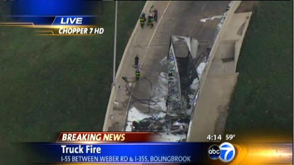 Fire destroys semi, stops traffic on I-55 in Bolingbrook