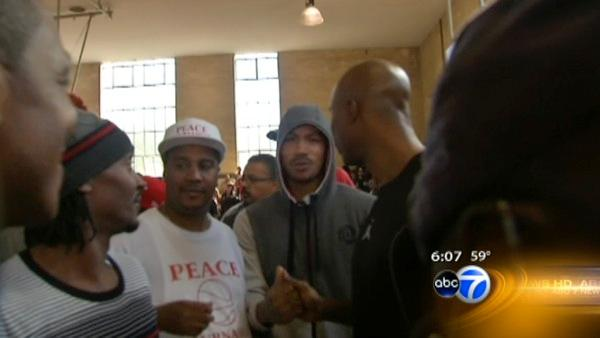 Peace Tournament draws basketball stars, gang members
