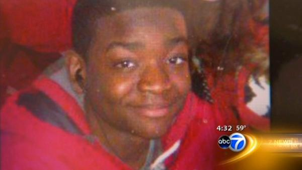 Evanston teen found shot to death on sidewalk