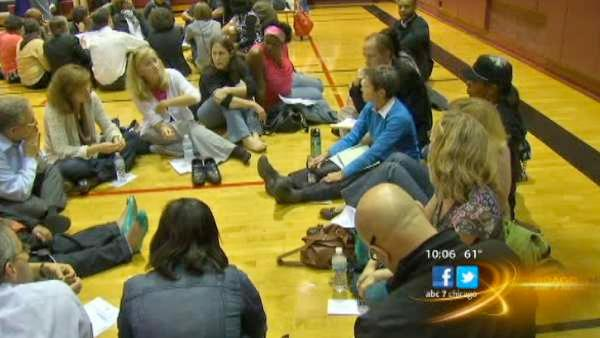 Hundreds gather in Evanston to address youth violence