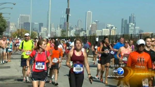 Runners preparing for Chicago Marathon