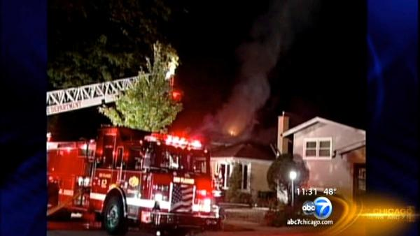 Des Plaines fire kills woman as dad tries to save her
