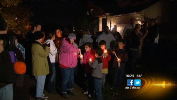 Vigil held for missing Volo woman, daughters