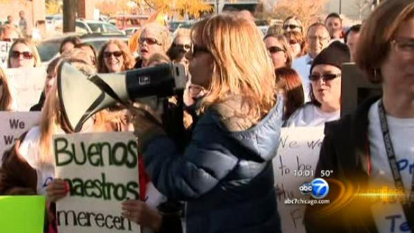 Teachers' strike looms in Highland Park