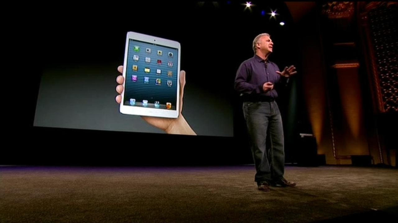 Phil Schiller, Apples senior vice president of worldwide product marketing, introduces the iPad Mini in San Jose, Calif., Tuesday, Oct.  23, 2012.