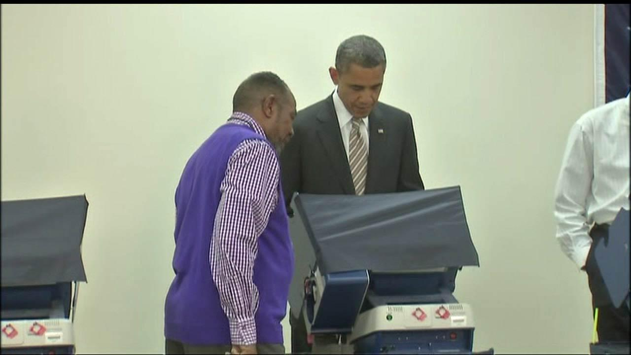 President Obama made a quick trip to Chicago on Thursday, Oct. 25, 2012, to cast his ballot at the Martin Luther King Community Center near his South Side home.