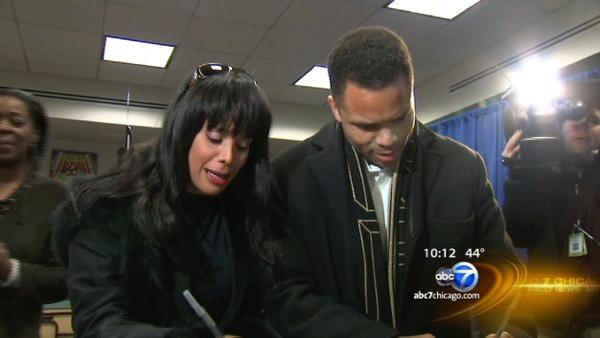 Ex- Rep. Jesse Jackson Jr., wife, Sandi, charged in federal complaints