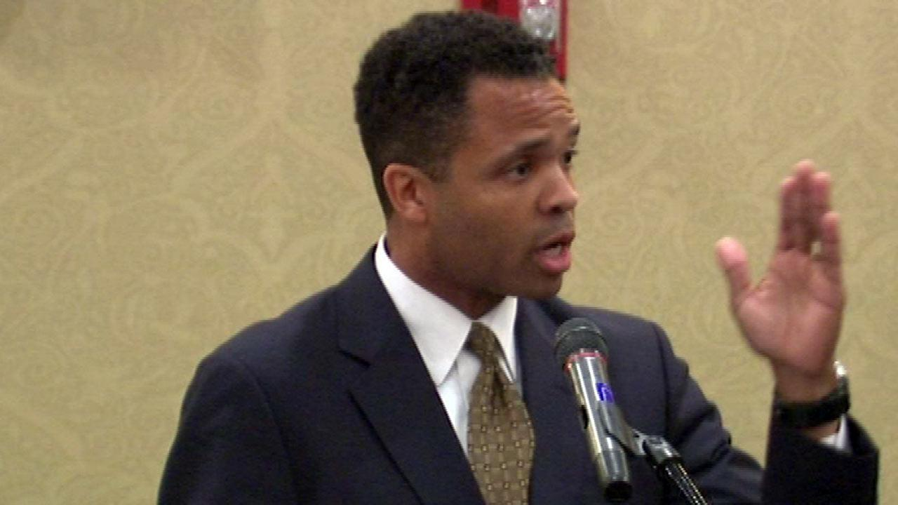 Jesse Jackson Jr. leaves Mayo Clinic