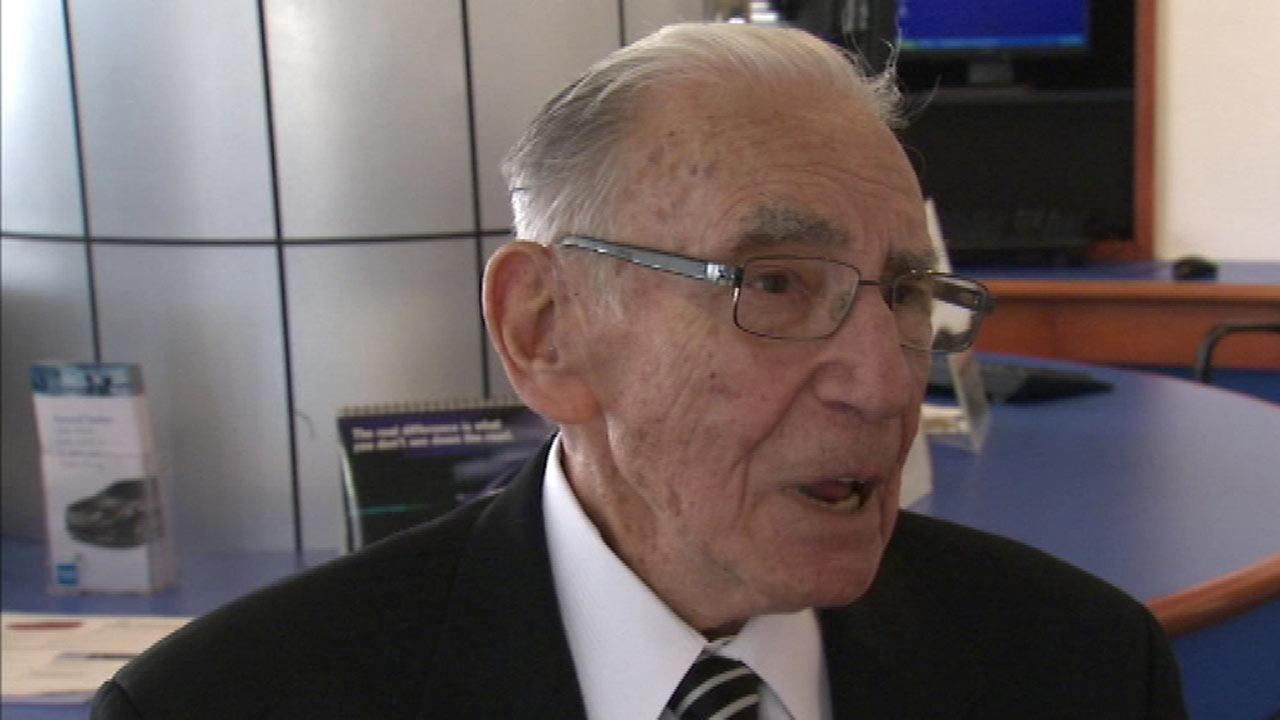 90-year-old car salesman could be Honda dealer's rookie of the year
