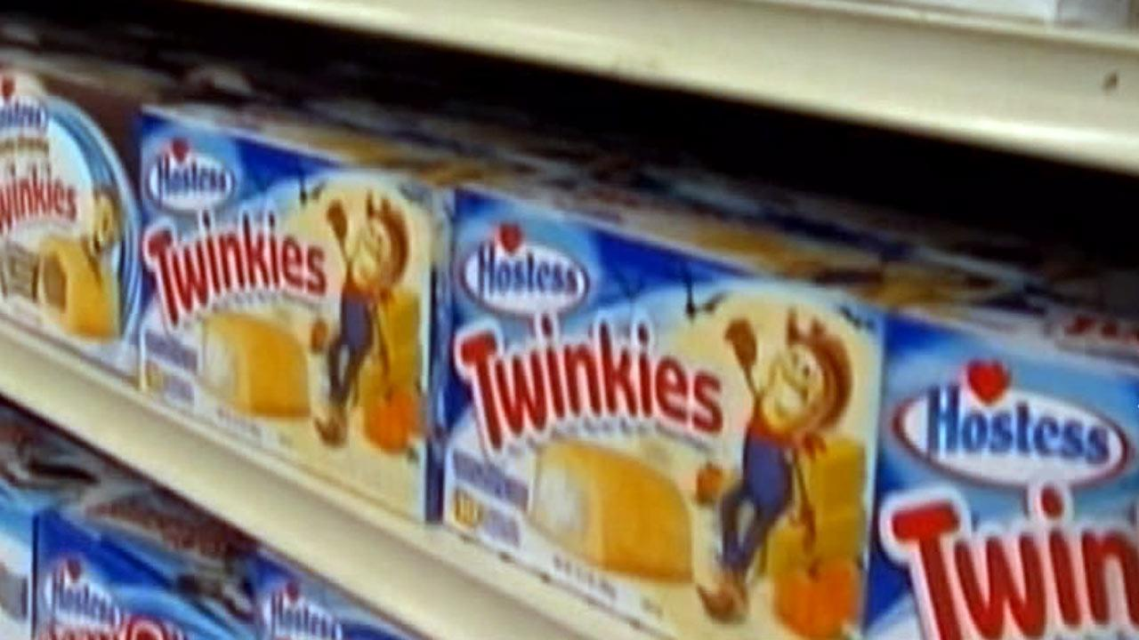 Hostess expects to split up snack cakes in sale