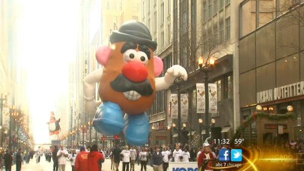Thanksgiving parade kicks off holiday season