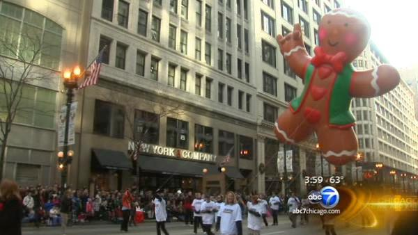 Warm weather brings thousands to Thanksgiving Day Parade