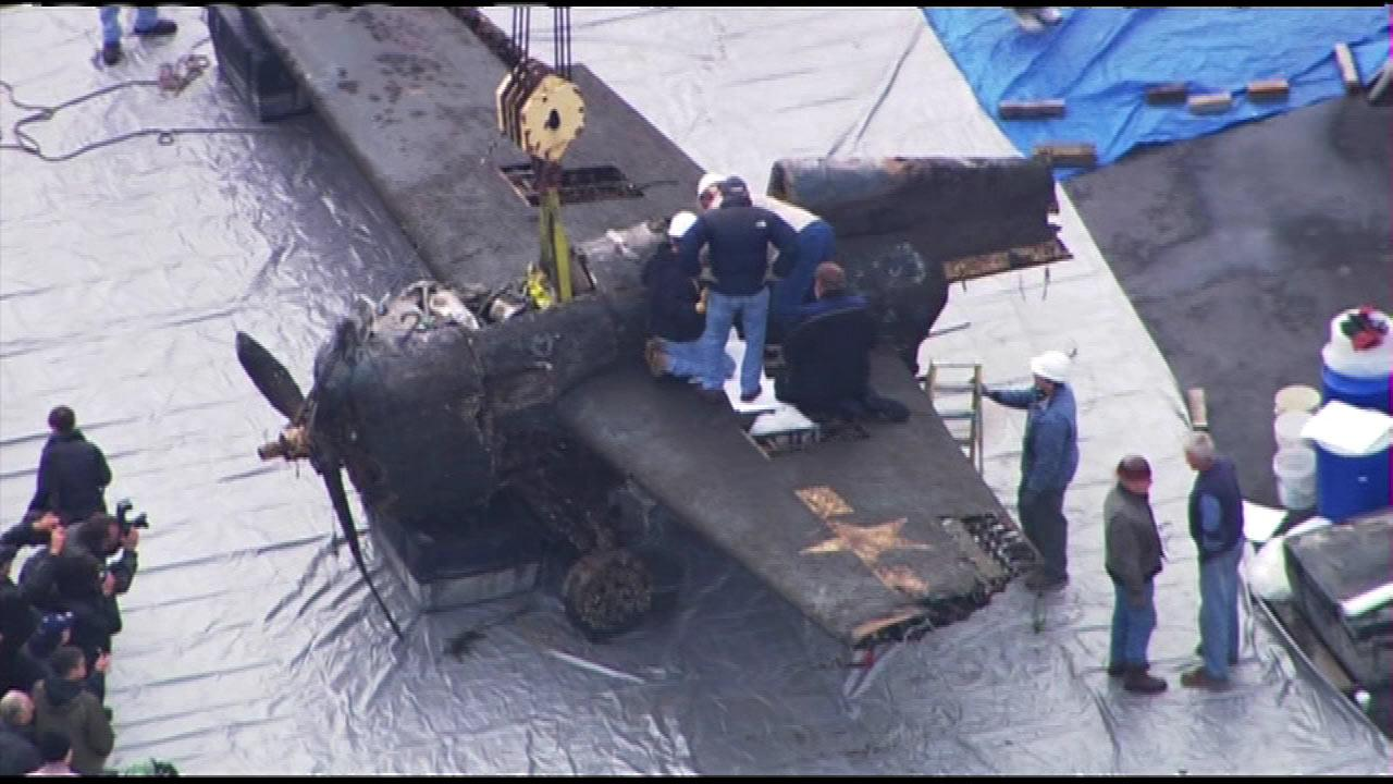 Crews recovered a World War II-era plane from the bottom of Lake Michigan, Friday, Dec. 7, 2012. <b><a hrefhttp://abclocal.go.com/wls/story?sectionnews/local&id8912184>READ MORE.</a></b>
