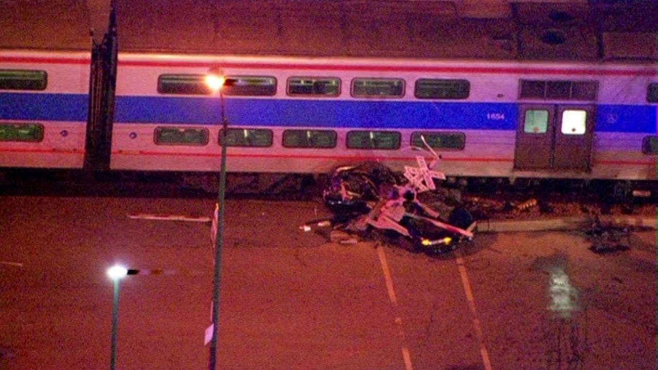 Metra train collides with vehicle on Chicago's South Side