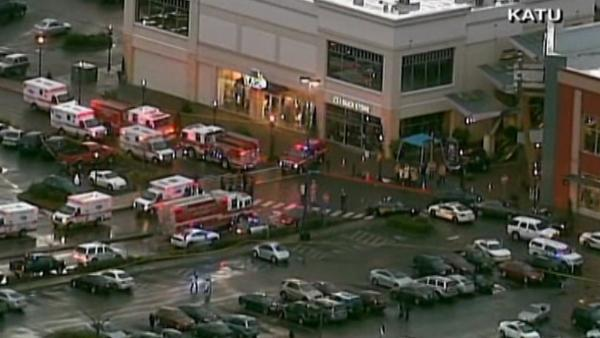 3 dead, including gunman, in Ore. mall shooting