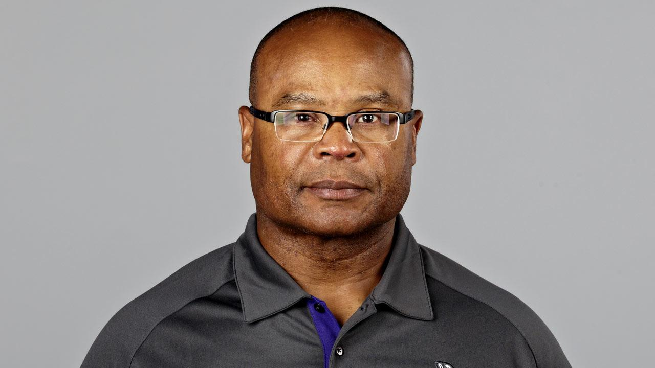This is a 2012 photo of Mike Singletary. The Bears plan to interview the   Vikings assistant coach, ESPN Chicago reports.    (AP Photo)