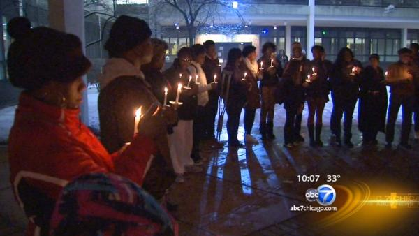 Hadiya Pendleton remembered at South Side vigil