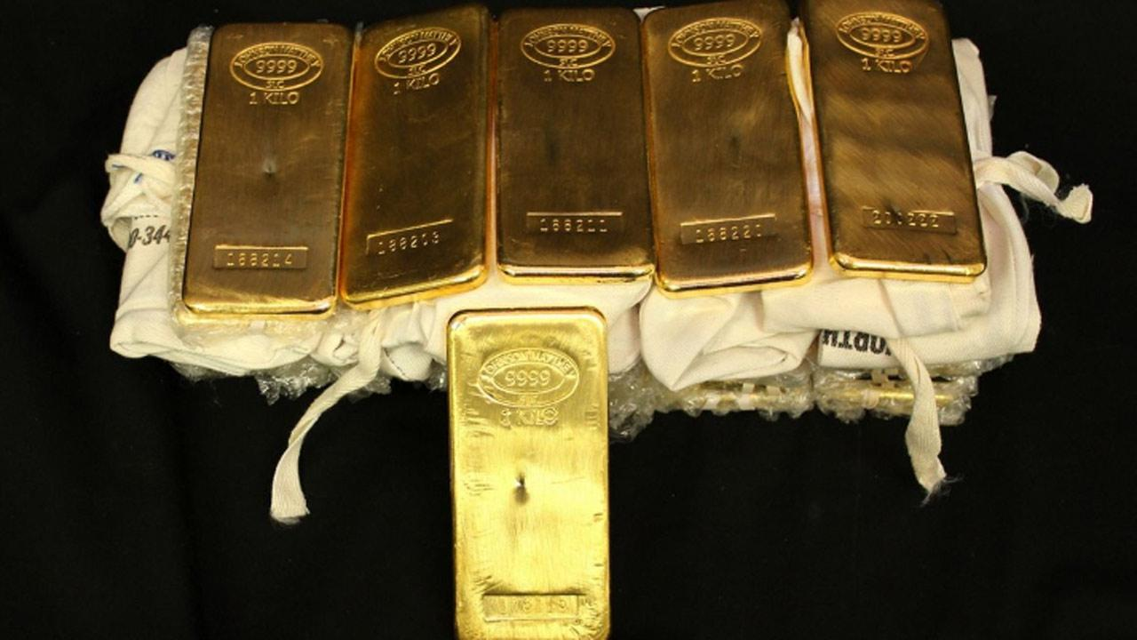 <p> BULLION: (32) Johnson Matthey 1 Kilo (1000 grams ea.) gold bars; .999 fine gold; Serial Numbers: 176111, 176115, 176119, 188201, 188202, 188203, 188204, 188205, 188206, 188207, 188208, 188209, 188210, 188211, 188212, 188213, 188214, 188215, 188216, 188217, 188218, 188219, 188220, 188221, 188222, 188223, 188224, 189229, 199147, 200222, 200223, 200226. </p> <p><b><a target_blank hrefhttp://bid.txauction.com/auction.aspx?as26346>Full auction listing here</a></b></p>