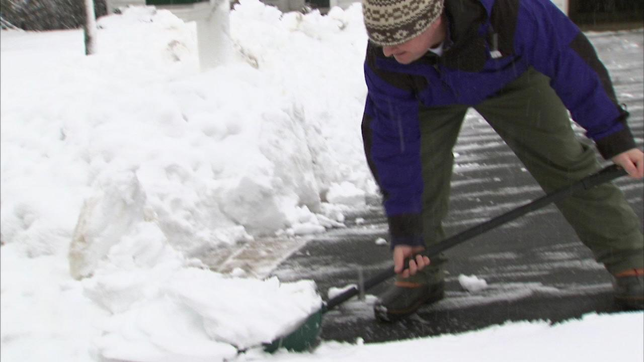 Snow Shoveling Tips: How to Avoid Injury