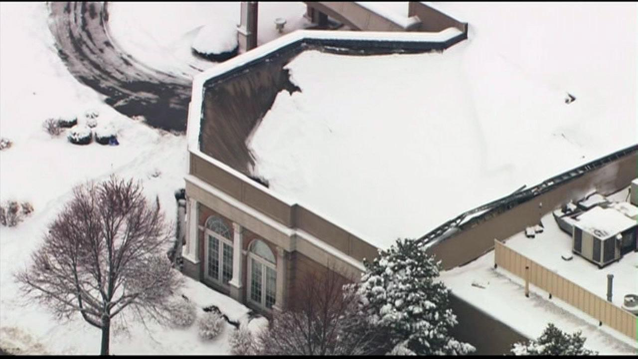 The heavy snow proved to be too much for a restaurant and banquet hall near OHare. The roof caved in at Cafe la Cave along Mannheim Road in Des Plaines. This Chopper 7 HD image is from Wednesday morning, March 6, 2013.