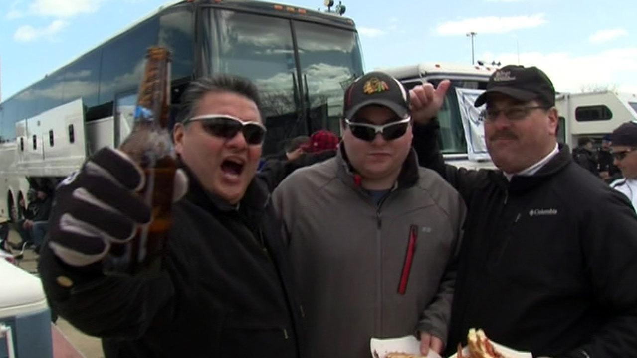 Chicago White Sox fans brave cold for opening day