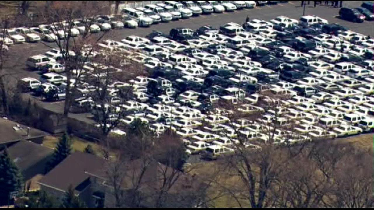 A large crowd attended a Palos Heights church service for the funeral of Illinois State Police trooper James Sauter, Tuesday, April 2, 2013. <a hrefhttp://abclocal.go.com/wls/gallery?sectionnews/local&id9045400&photo1>Images from Tri-State Tollway crash</a>  (Chopper 7 image)