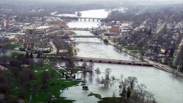 An aerial shot looking north along the Fox River from Geneva to St. Charles, Ill. shows that area bridges are still open to traffic . (Chopper7 image)