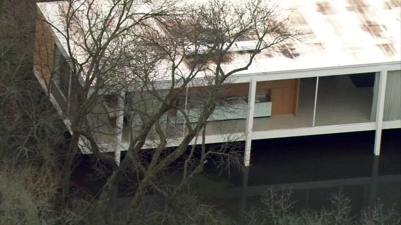 High water from the swollen Fox River threatens the Mies van der Rohe-designed Farnsworth House in Plano.<b></b>&#40;Chopper7 image&#41;