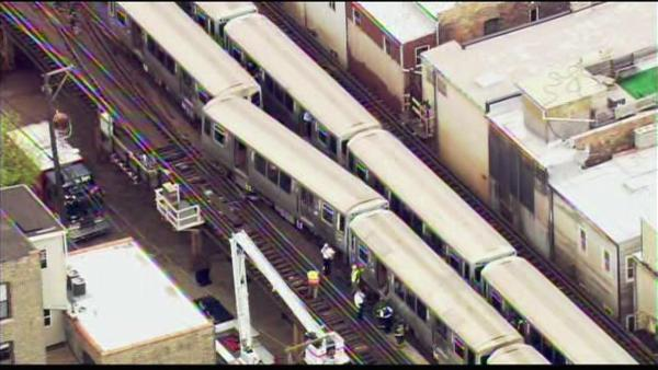 A CTA Red Line train derailed in the Lincoln Park n