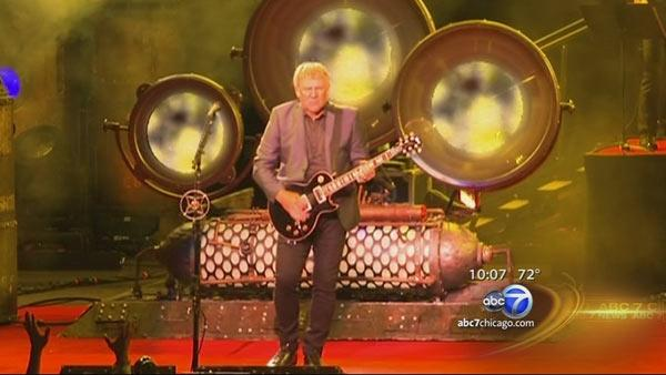 Stanley Cup heads to Rush concert in Tinley Park