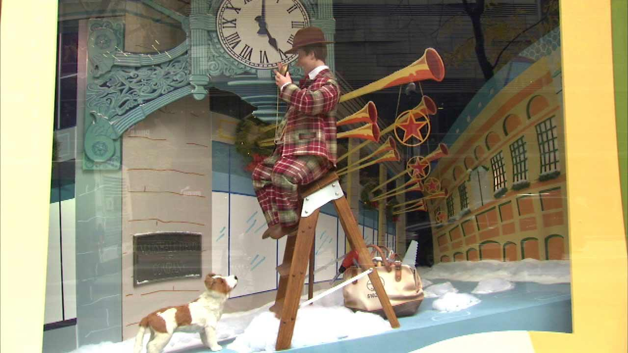 A 46-year tradition in Chicago continued Saturday morning, as the holiday animated window displays at Macys on State Street were unveiled.