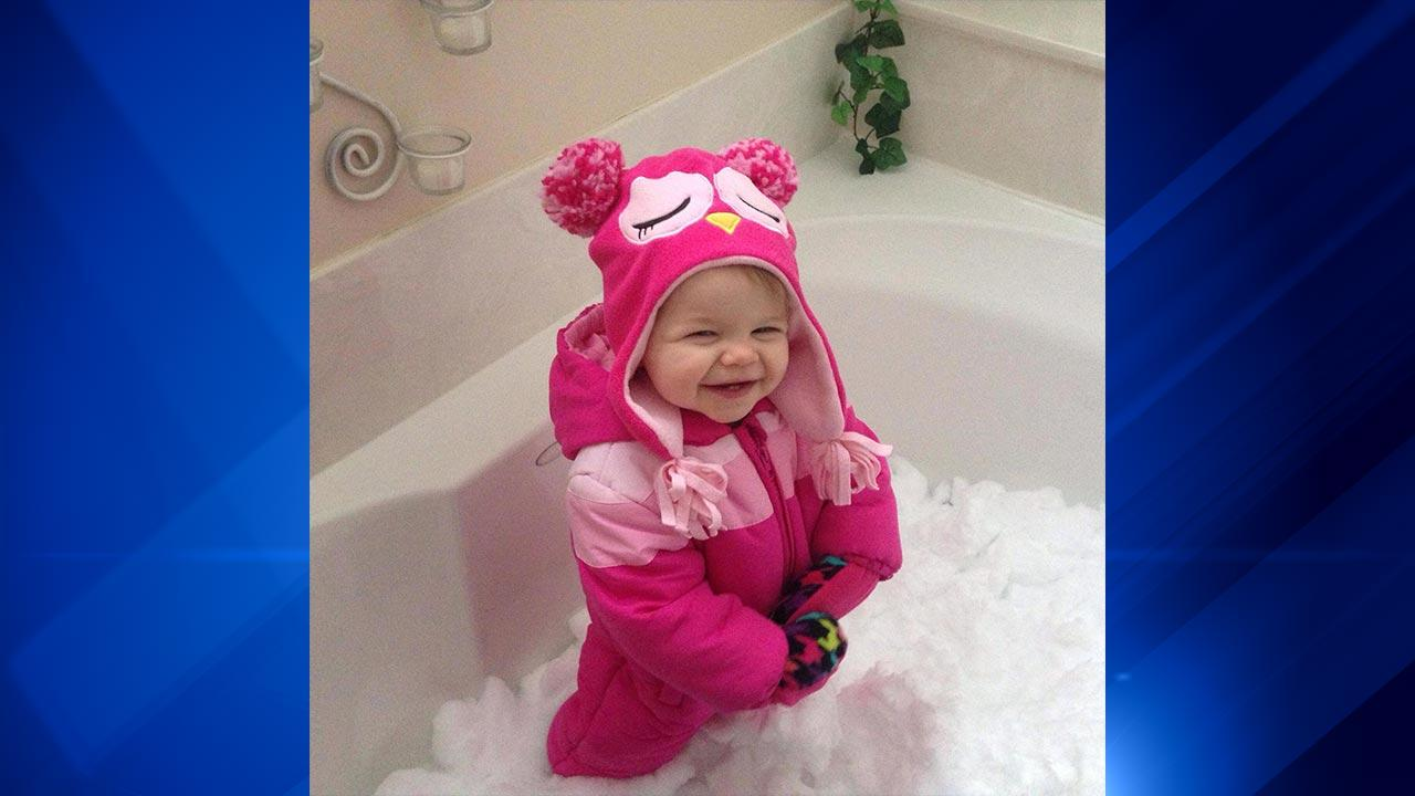 The polar vortex may have made it too cold to play outside, but some parents brought the snow inside for wintry fun in the bathtub!ABC 7 Chicago Facebook fan