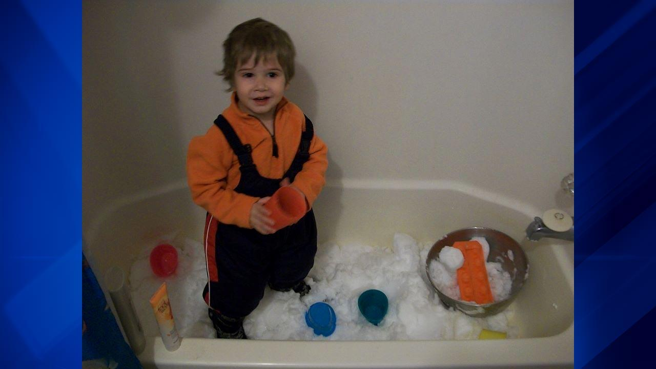 The bitter cold temperatures may have made it too cold to play outside, but some parents brought the snow inside for wintry fun in the bathtub! <span class=meta>(ABC 7 Chicago Facebook fan Beth Bozzo)</span>